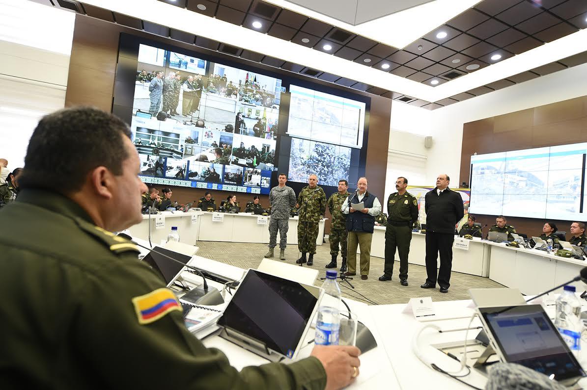 sala estrategia de la Policía Nacional el ministro de defensa Luis Carlos Villegas 6