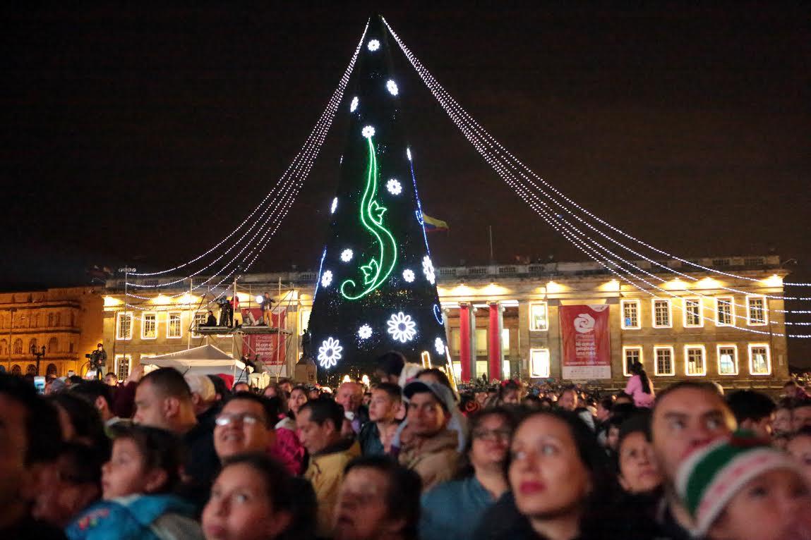 Alcalde Mayor enciende la navidad en Bogotá