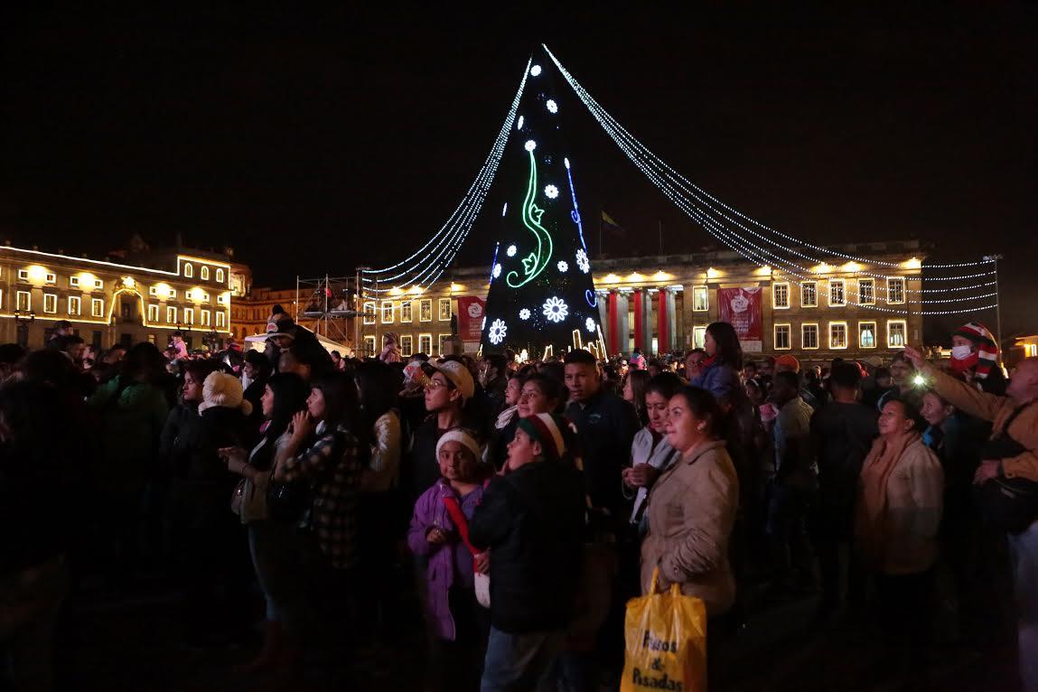 Alcalde Mayor enciende la navidad en Bogotá2
