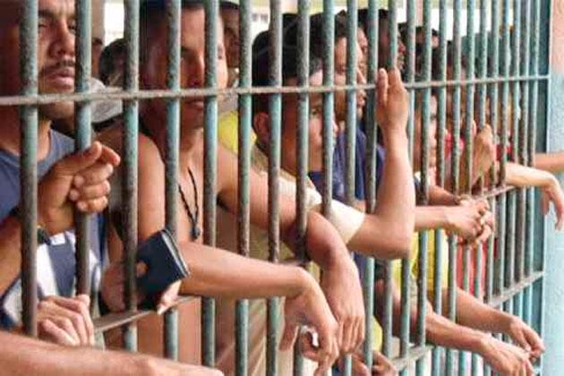 Guerrilleros-presos-en-cárcel-de-Bogotá.