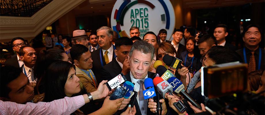 Santos se mostró honrado de que Colombia sea el único país no miembro de la Apec invitado a la Cumbre en Manila,