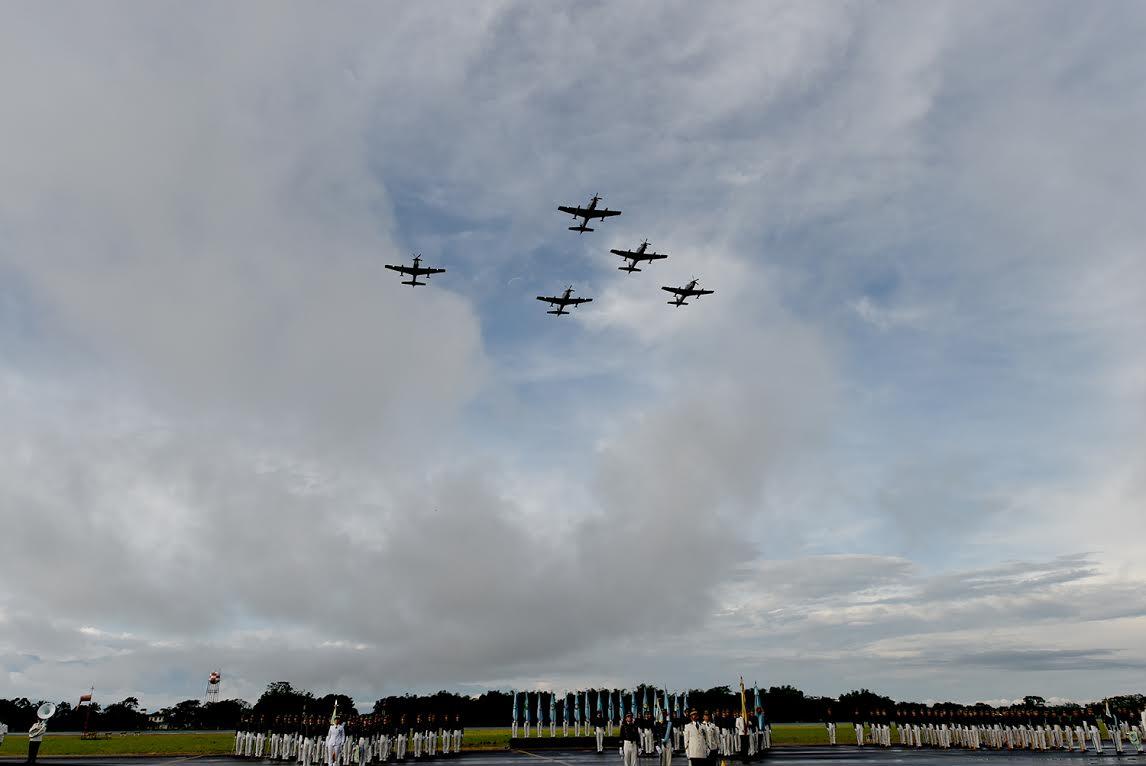 ceremonia de los 96 años de la Fuerza Aérea Colombiana.5