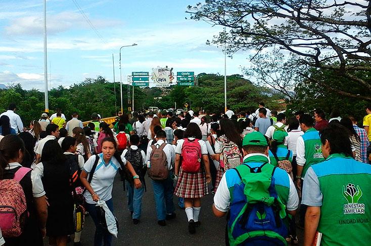 Corredor humanitario en frontera venezolana para estudiantes