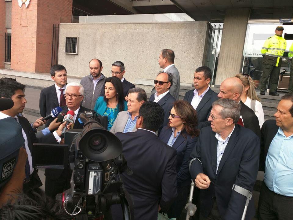 Senadores presentaron acción popular por la venta de ISA
