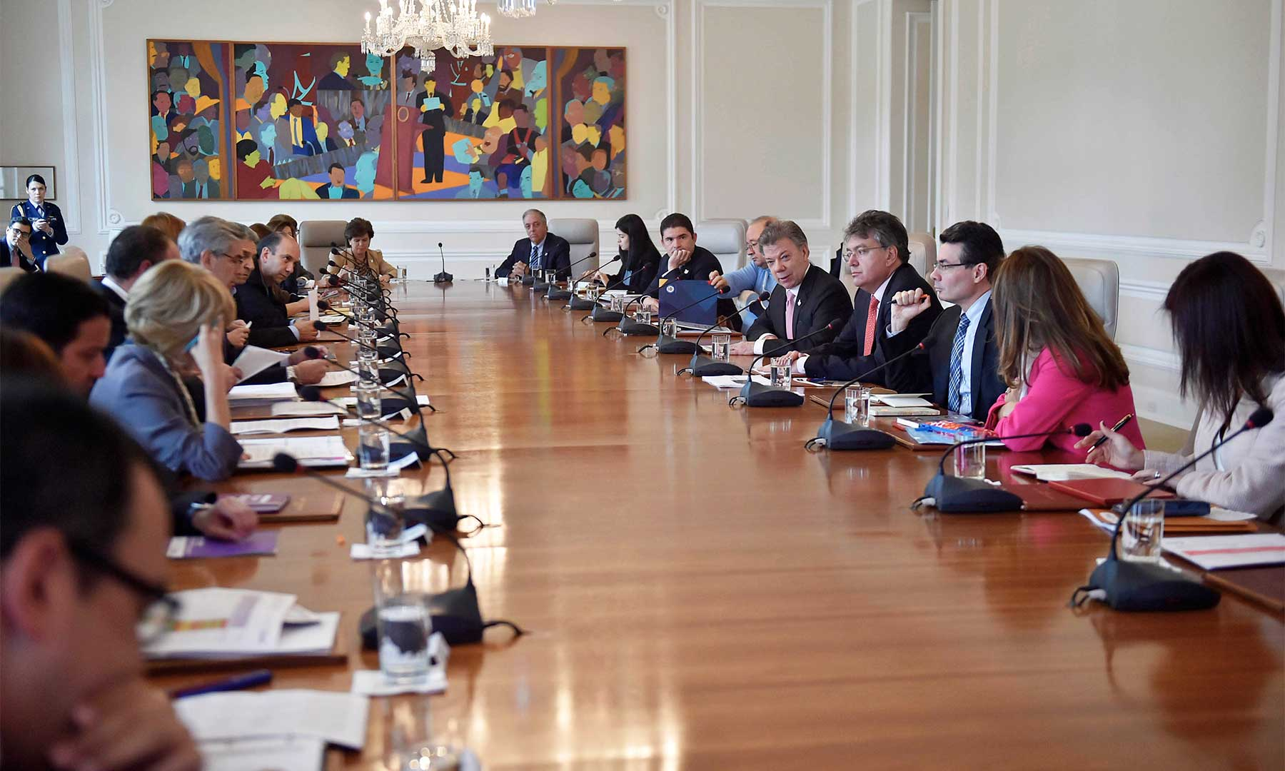 El Presidente Juan Manuel Santos lidera este lunes la reunión del Consejo de Ministros en la Casa de Nariño, en el que se tratan temas de la agenda del Gobierno Nacional.