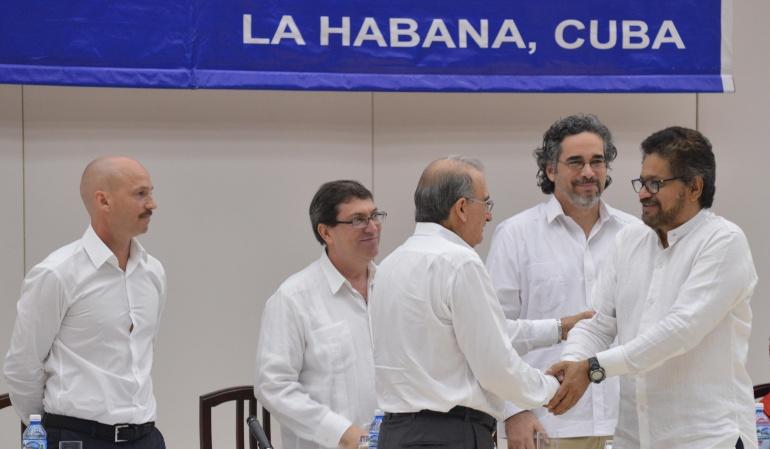 Delegados de los dialogos en la Habana