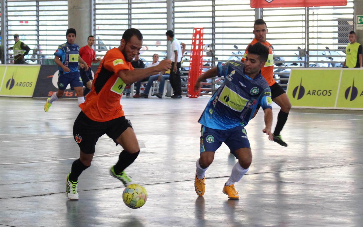Deportivo Lyon vs. D'M… Effort2