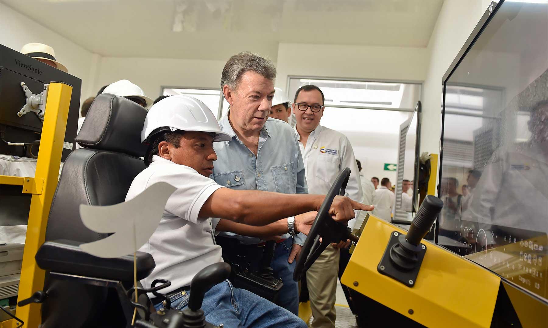 Visita del Presidente Juan Manuel Santos al Centro de Desarrollo Agroindustrial y Empresarial de Sena en Villeta, inaugurado este sábado y que abrió inscripciones hasta el 21 de febrero.