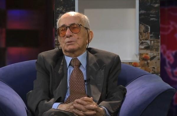 Periodista Adolfo León Gómez