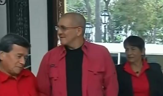 La llegada de la comisión del ELN a la sede de la Cancillería de Venezuela.