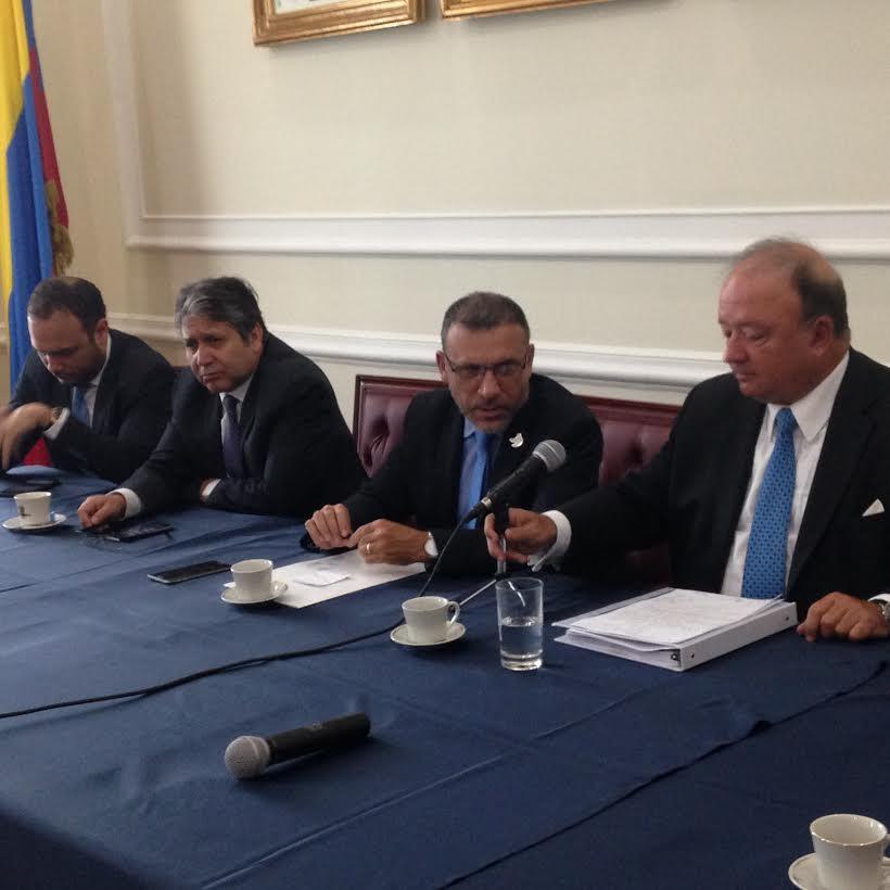 Partido de la U se reuniò con el Ministro de Defensa, Luis Carlos Villegas2