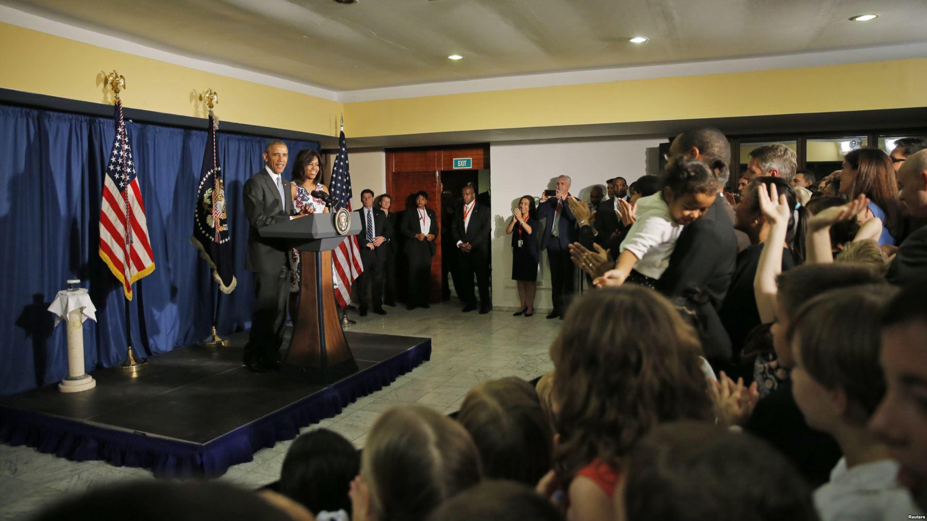 Reunión con el personal de la embajada estadounidense en La Habana y sus familias.