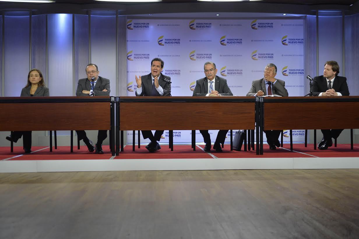 Rueda de prensa Delegación Gob diálogos con ELN