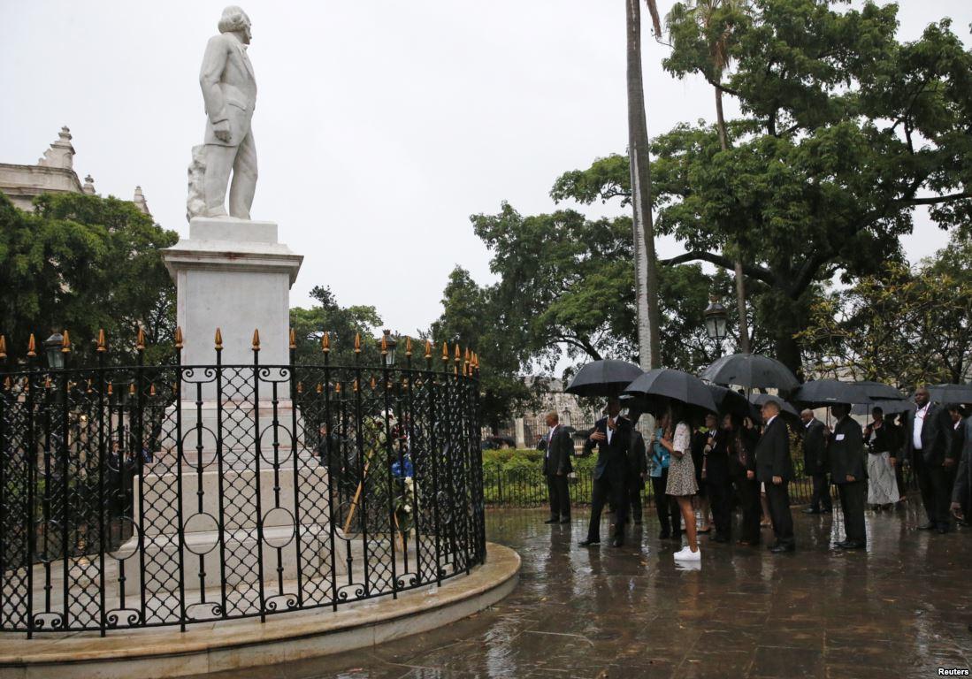 Visita guiada por La Plaza de Armas, la primera de las creadas en la villa de San Cristóbal de La Habana