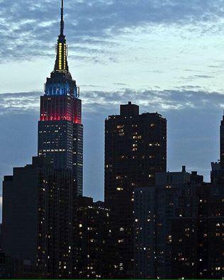 El Empire State de New York con la bandera de Ecuador