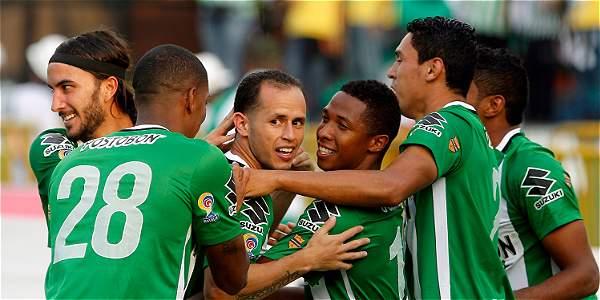 Jugadores de Nacional celebran Goleada al Bucaramanga