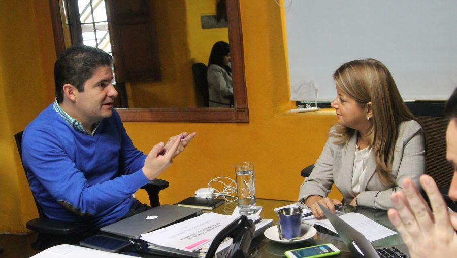 Luis Felipe Henao y Elsa Noguera hacen empalme en temas de vivienda