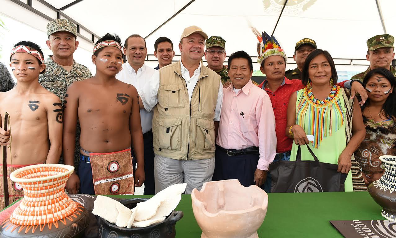 Mindefensa visitó este viernes Inírida (Guainía)10