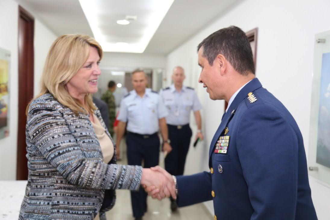 SECRETARIA DE LA FUERZA AÉREA DE LOS ESTADOS UNIDOS En Colombia6