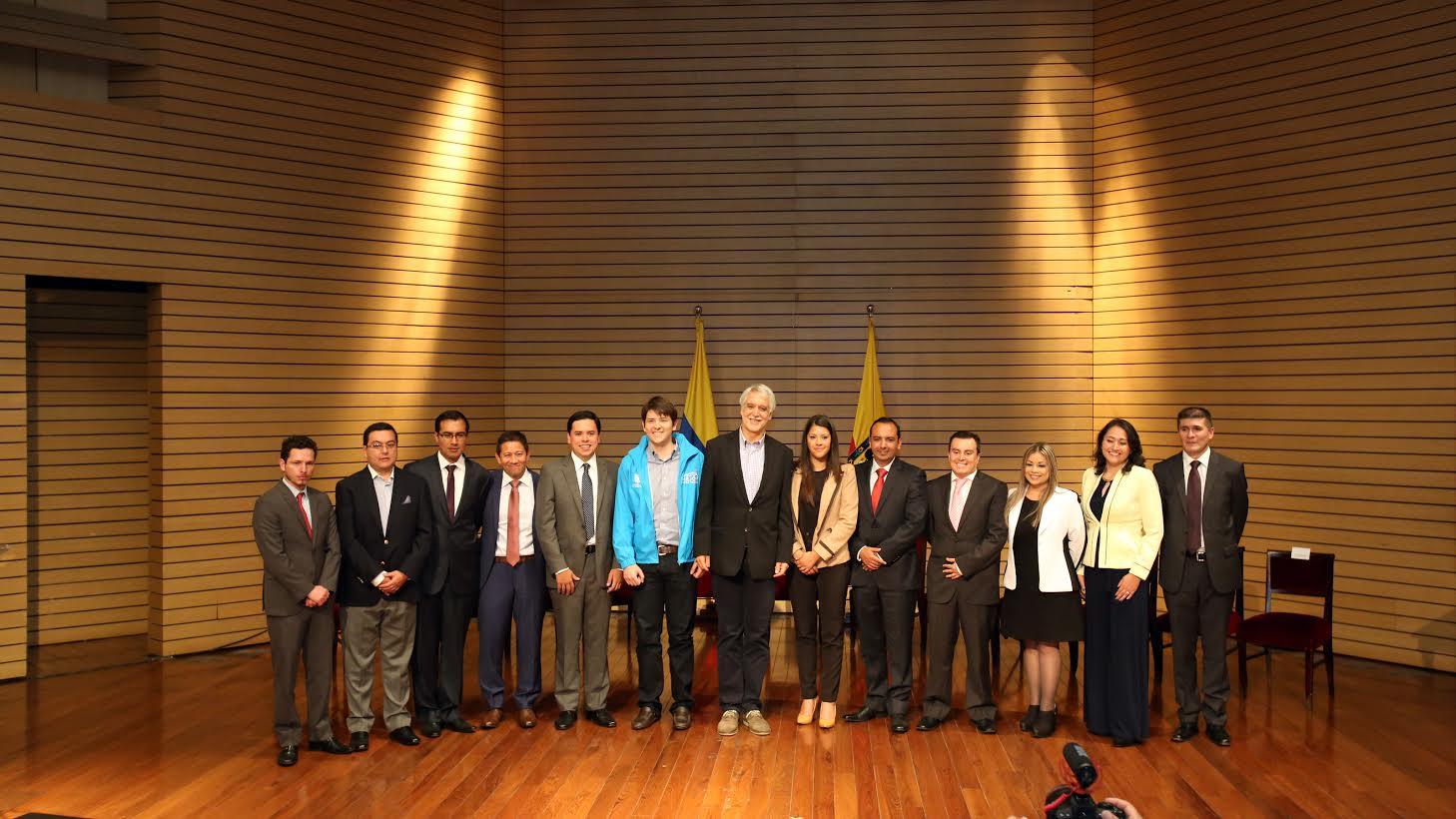 Se posesionan los primeros 11 alcaldes locales5