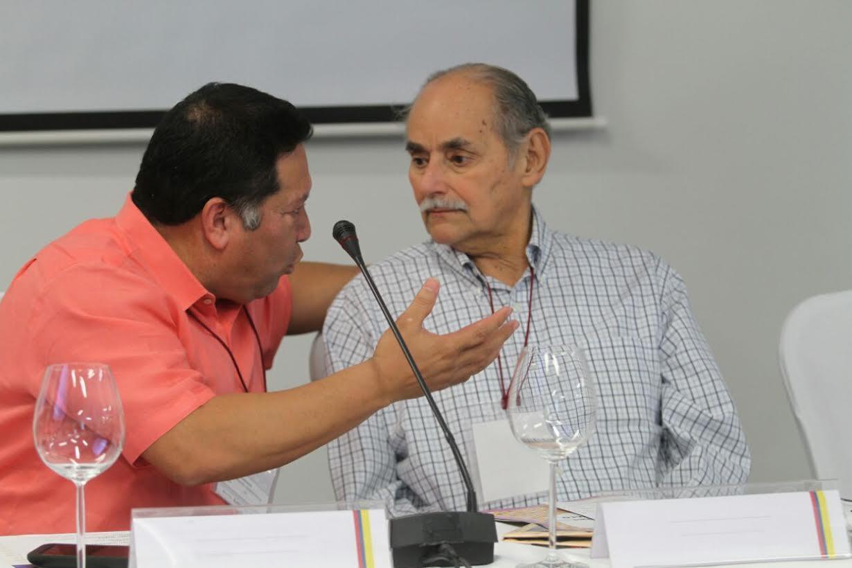 foro En La Ruta de la Paz Diálogo Político