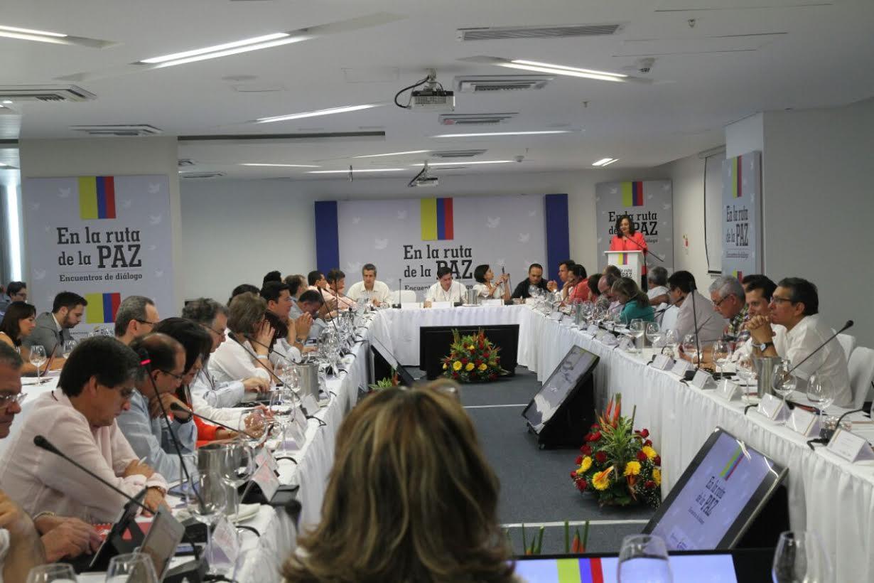 foro En La Ruta de la Paz Diálogo Político3