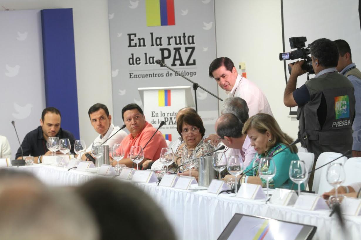 foro En La Ruta de la Paz Diálogo Político4