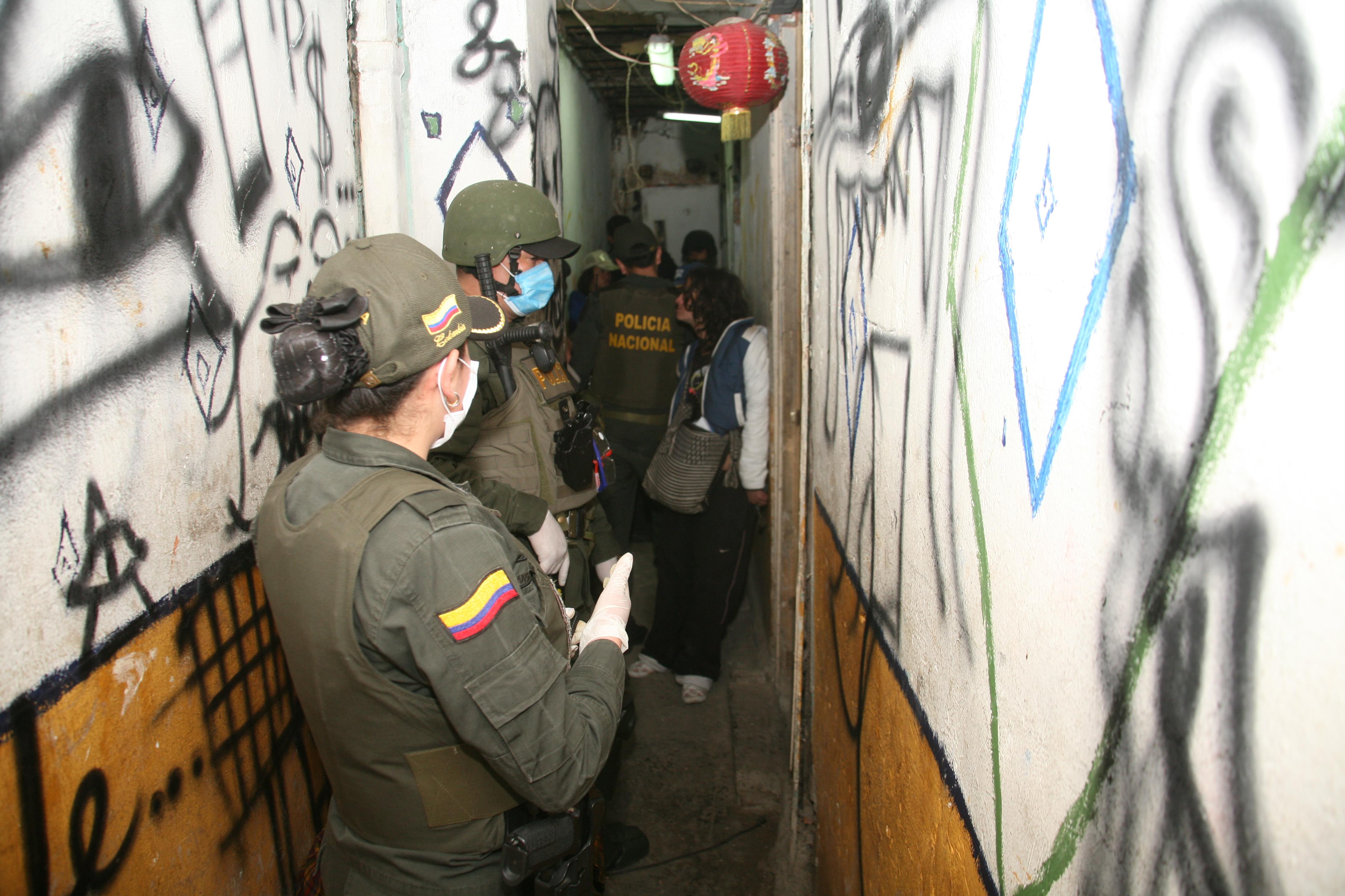 6 POLICIA EN EL BRONX