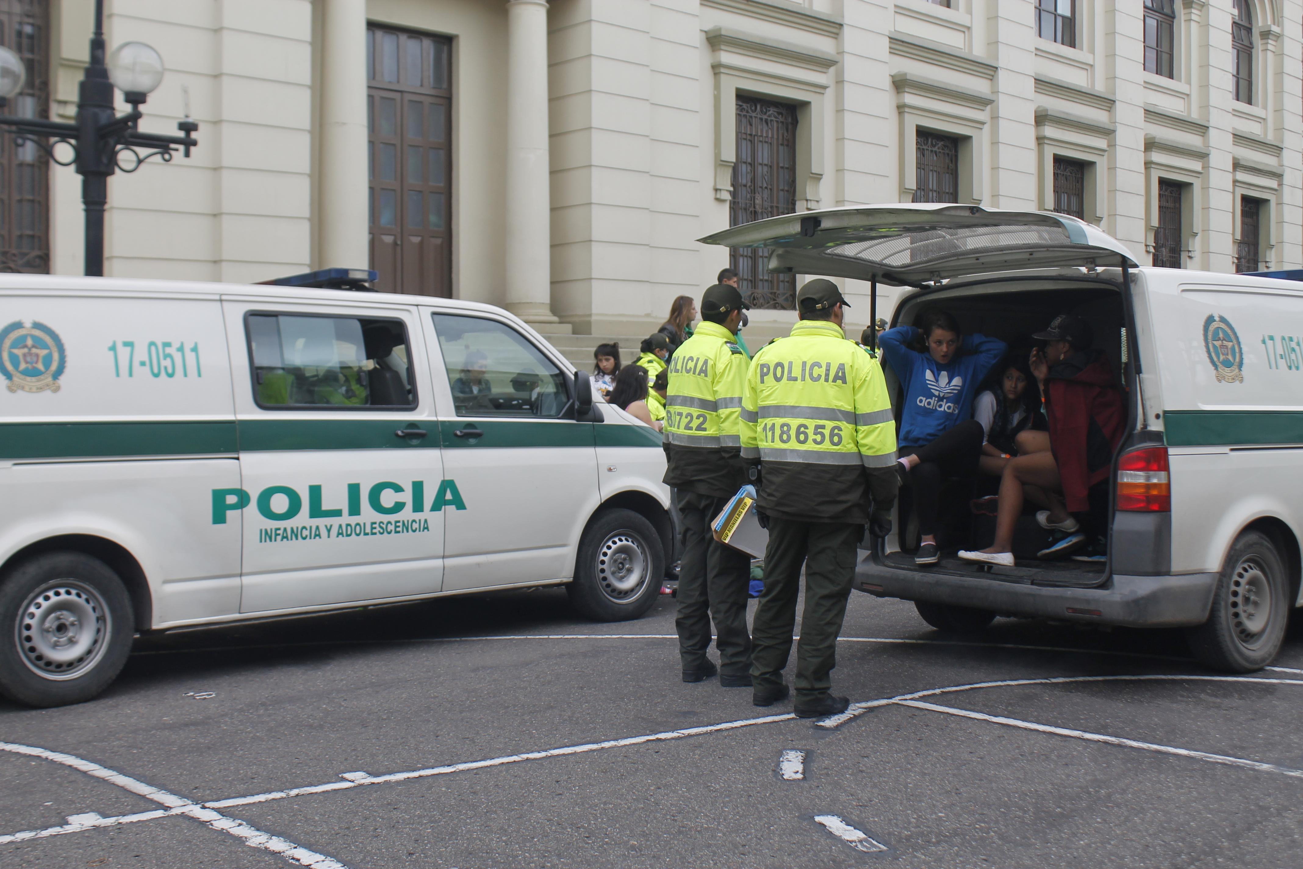 7 POLICIA EN EL BRONX INFANCIA