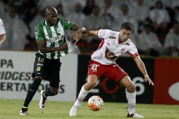Atlético Nacional de Colombia eliminó a Huracán