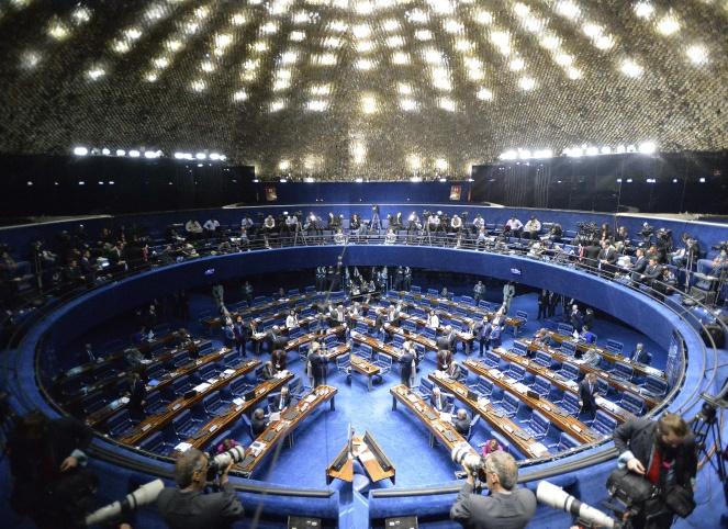 Avanza votación que definirá si Rousseff es apartada hoy de su cargo