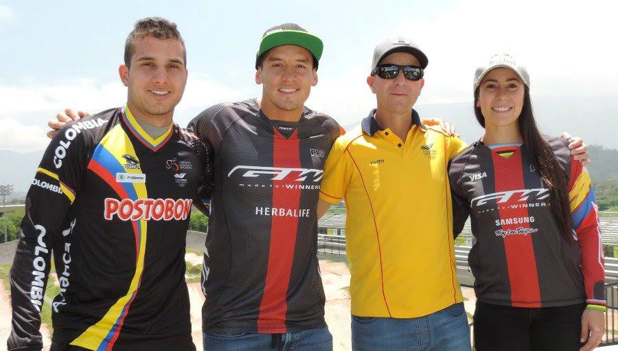 Carlos Ramírez; Carlos Mario Oquendo; German Medina (entrenador) y Mariana Pajón.