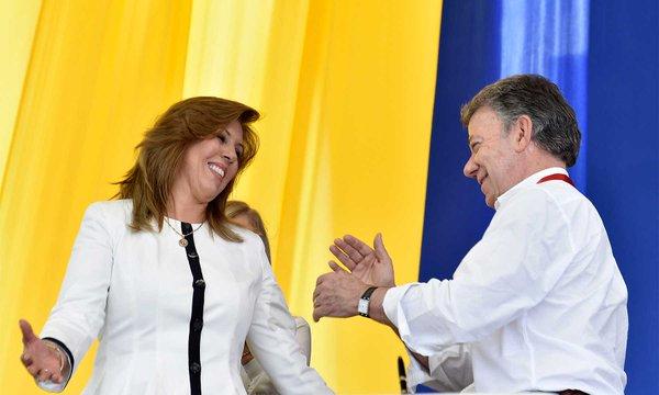 Clara Luz Roldán junto a Juan Manuel Santos.