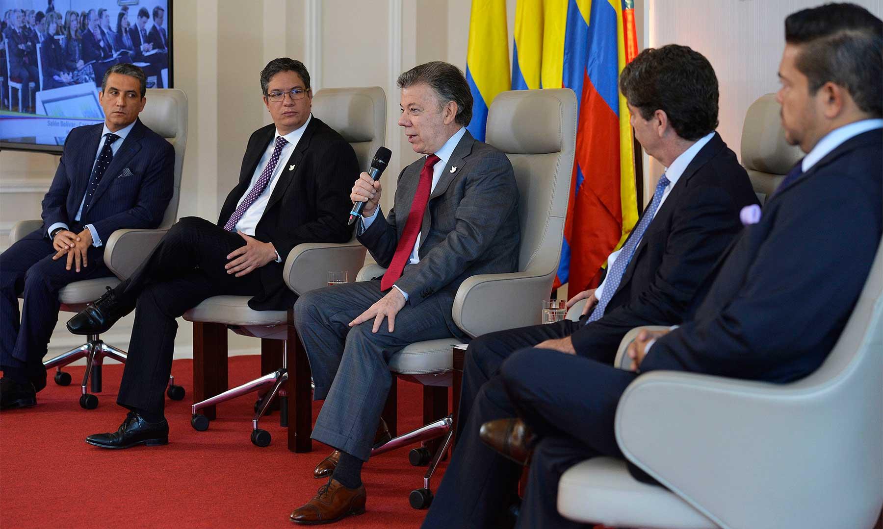 El Presidente Juan Manuel Santos lideró el conversatorio 'Alianza Latinoamericana de Lucha contra el Contrabando', este viernes en la Casa de Nariño.