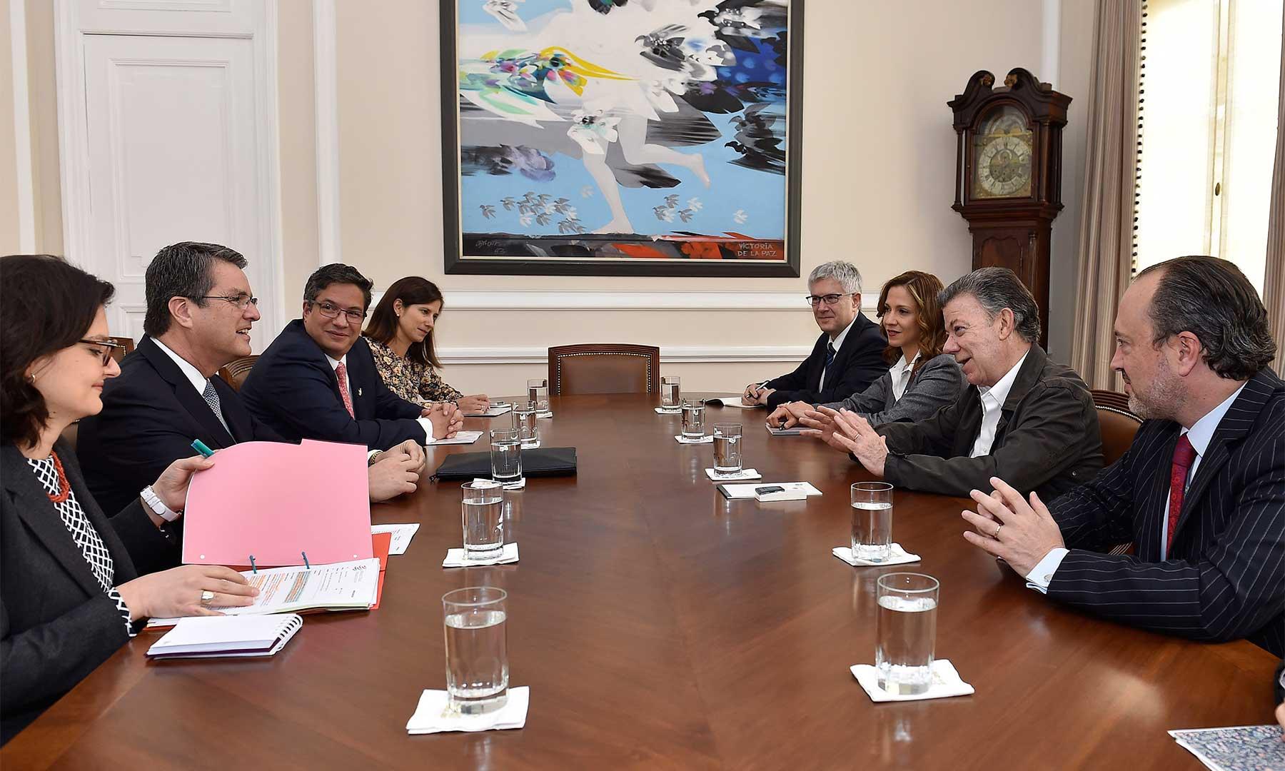 El Director del a OMC, Roberto Azevedo destacó el liderazgo de Colombia para aprobar el Acuerdo de Facilitación del Comercio, así como el impulso dado en la Alianza del Pacífico, durante una reunión con el Presidente Santos.