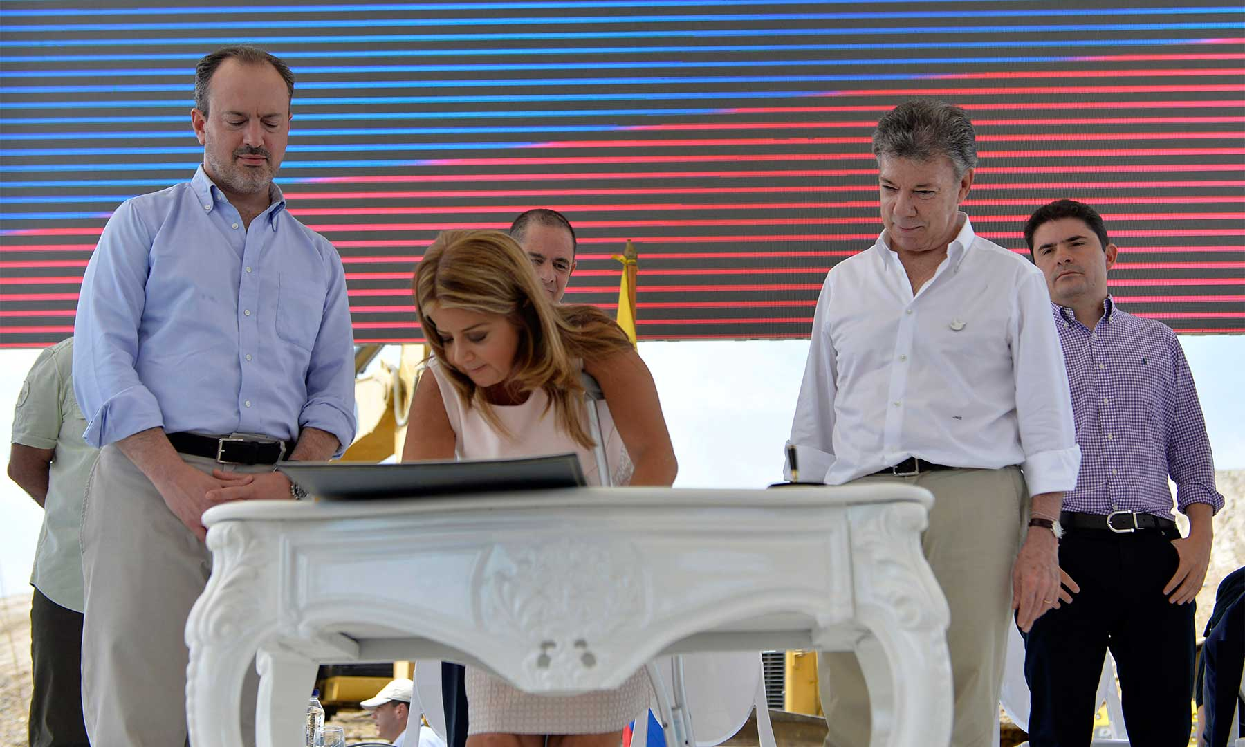 La exalcaldesa de Barranquilla, Elsa Noguera de la Espriella, se posesionó este martes en la capital del Atlántico como Ministra de Vivienda, Ciudad y Territorio.