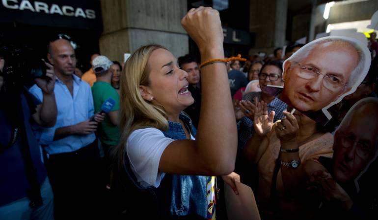 Lilian Tintori pide más contundencia a Santos sobre Venezuela