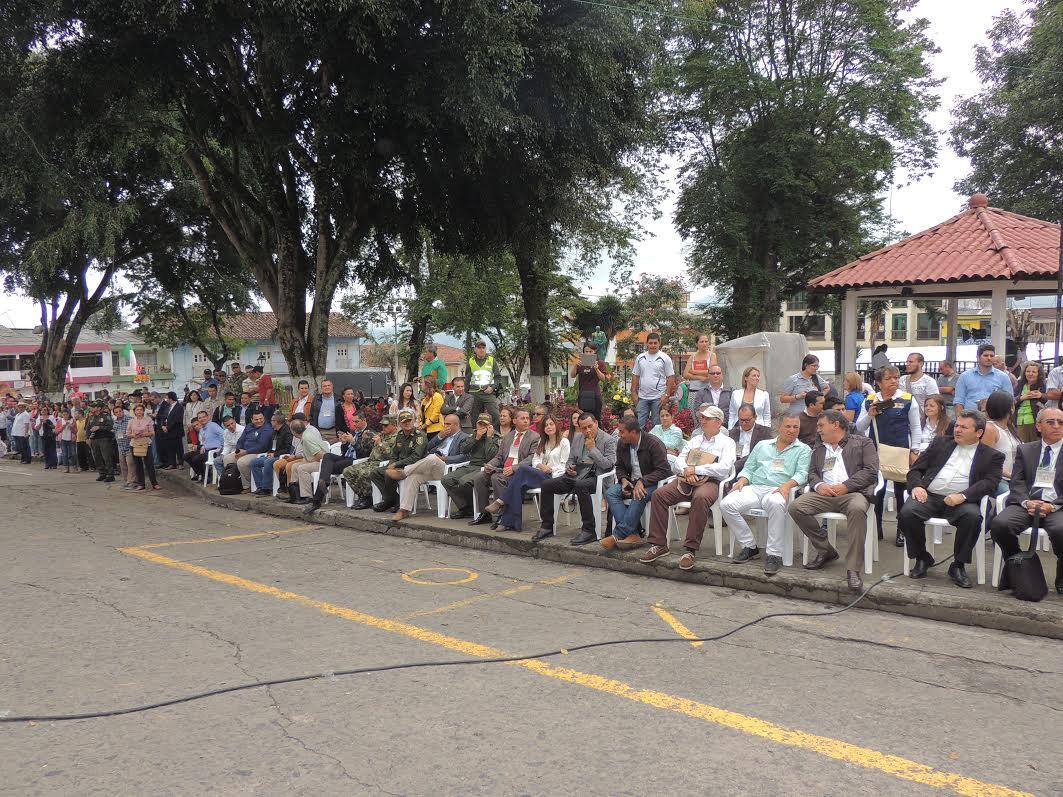 Los alcaldes de los departamentos del pcc en neira caldas, quindio , risaralda , valle.