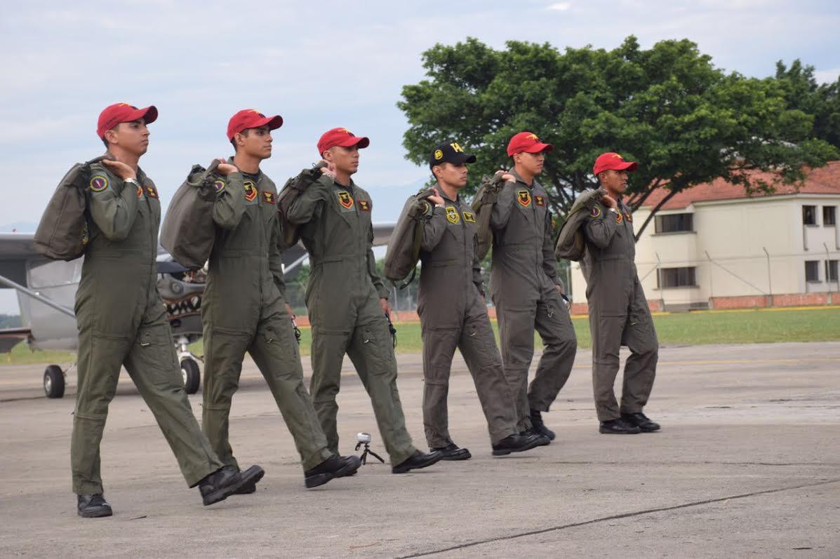 MILITARES CENTROAMERICANOS CUMPLEN EL SUEÑO DE VOLAR SOLOS EN COLOMBIA2