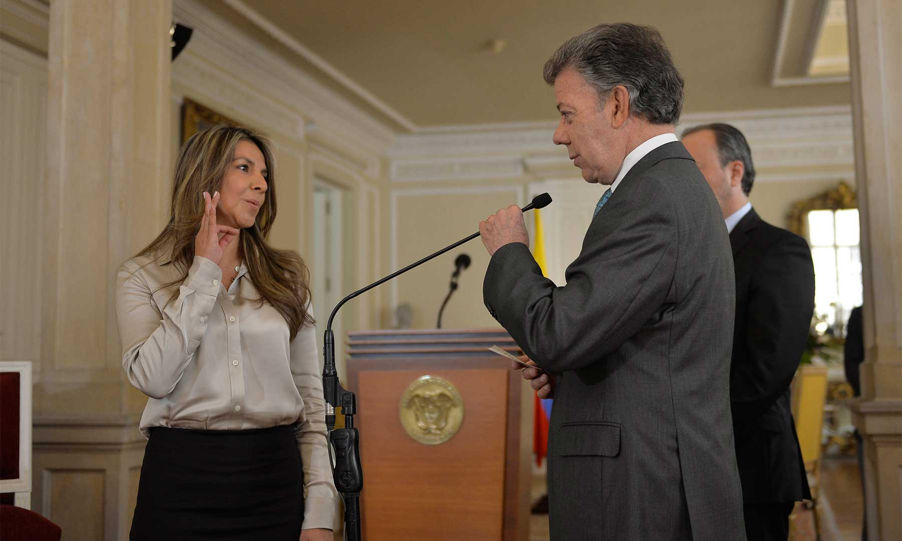 El Presidente Santos toma posesión de Marilyn López como Secretaria de Prensa de la Presidencia de la República, quien será clave para transmitir a los colombianos los logros del Gobierno.