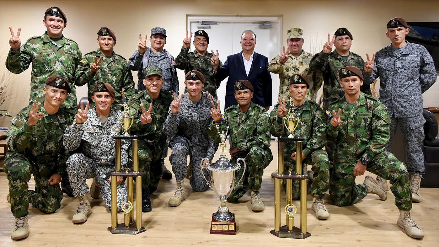 Mindefensa recibio equipo de fuerzas comando de las fuerzas militares de Colombia campeones en perú2
