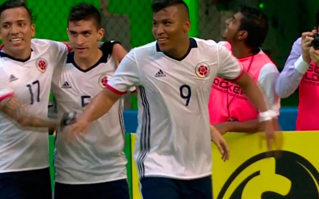 Dayro Moreno, Juan Guillermo Cuadrado y Roger Martínez anotaron los goles del equipo colombiano.