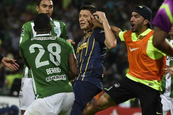 Tras el gol de Orlando Berrío en los últimos instantes del partido, se desató la gresca