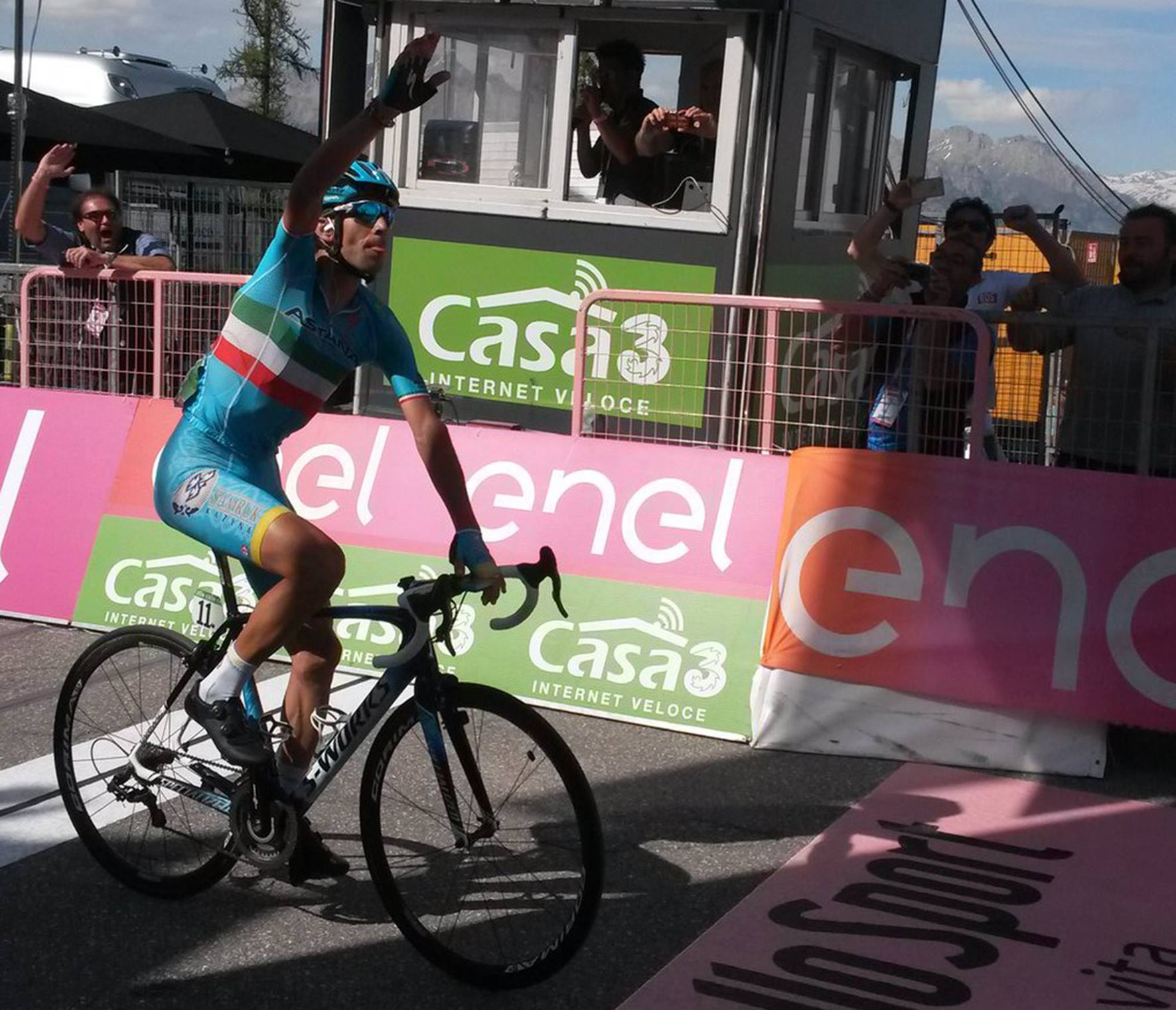 Vincenzo Nibali gana la etapa 19 del Giro