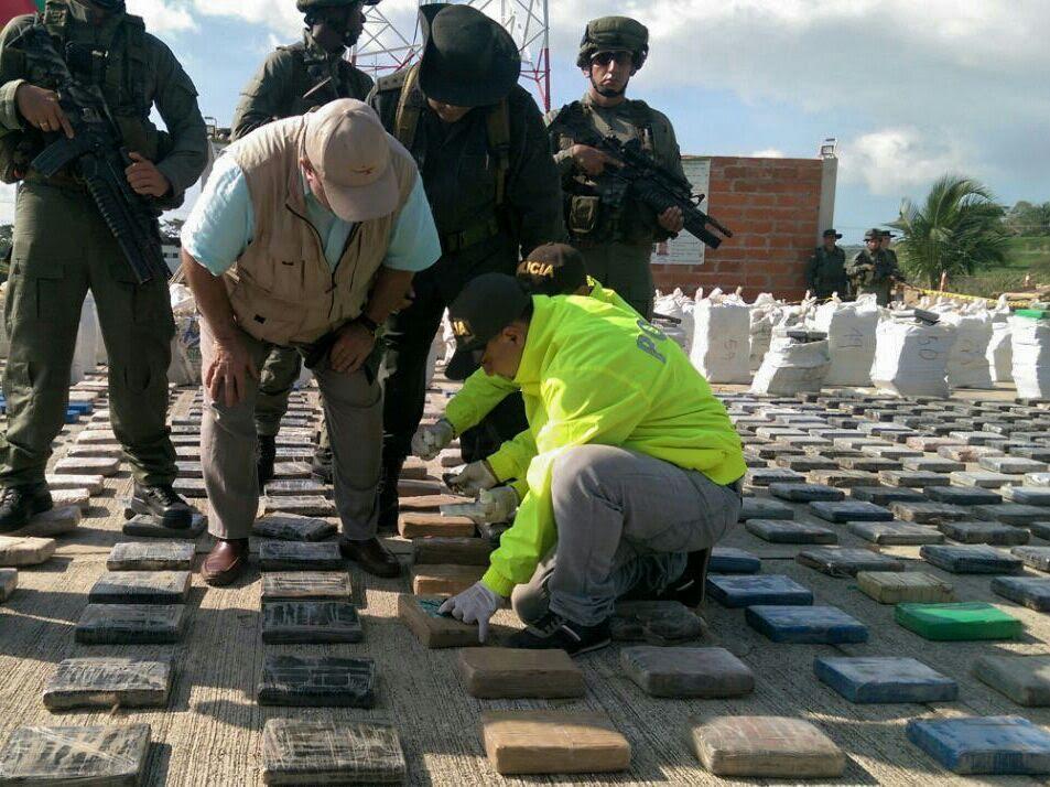 indefensa revisa La caleta del 'Clan Úsuga' con aproximadas 8 toneladas de cocaína