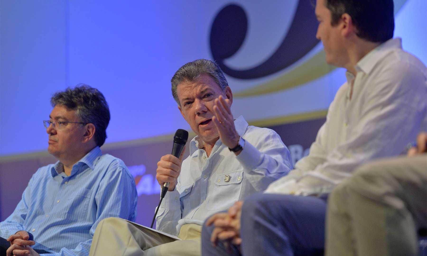 Ante los participantes en la Convención Bancaria, este viernes en Cartagena, el Presidente Juan Manuel Santos entregó un balance de los logros económicos del país, así como en materia del proceso de paz.
