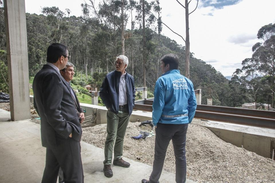 Alcalde Enrique Peñalosa pidió demoler las mansiones que arrasaron los cerros orientales3