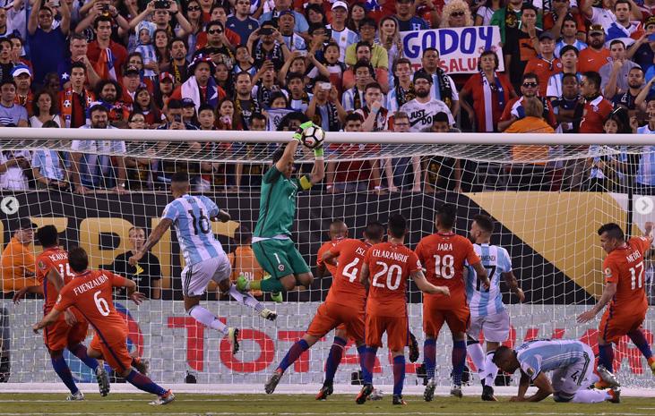 Chile derroto a Argentina en la Final de la copa Centenario