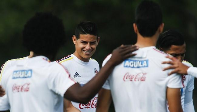 Colombia va por lo puntos ante Perú