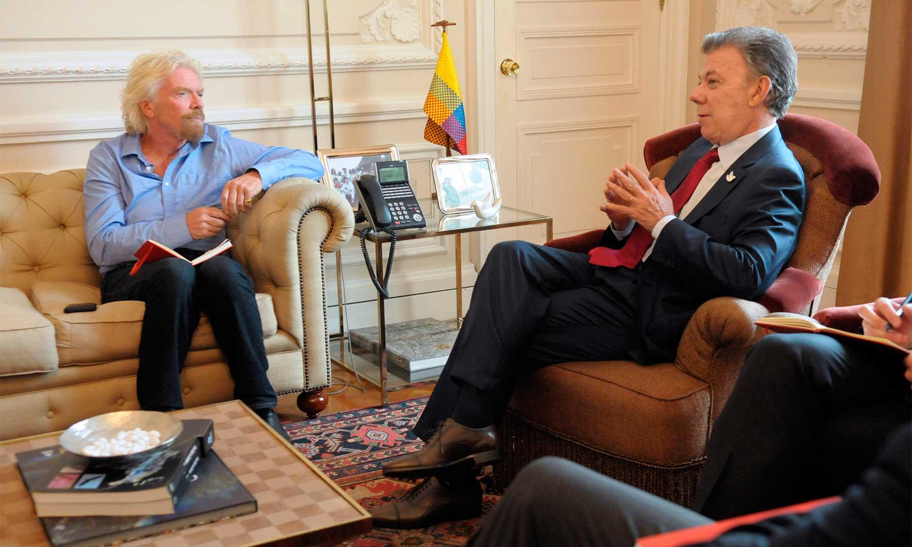El Presidente Santos recibió en la Casa de Nariño la visita del fundador del Grupo Virgin, Sir Richard Branson, quien apoyó el proceso de paz y la postura colombiana sobre la lucha contra las drogas.